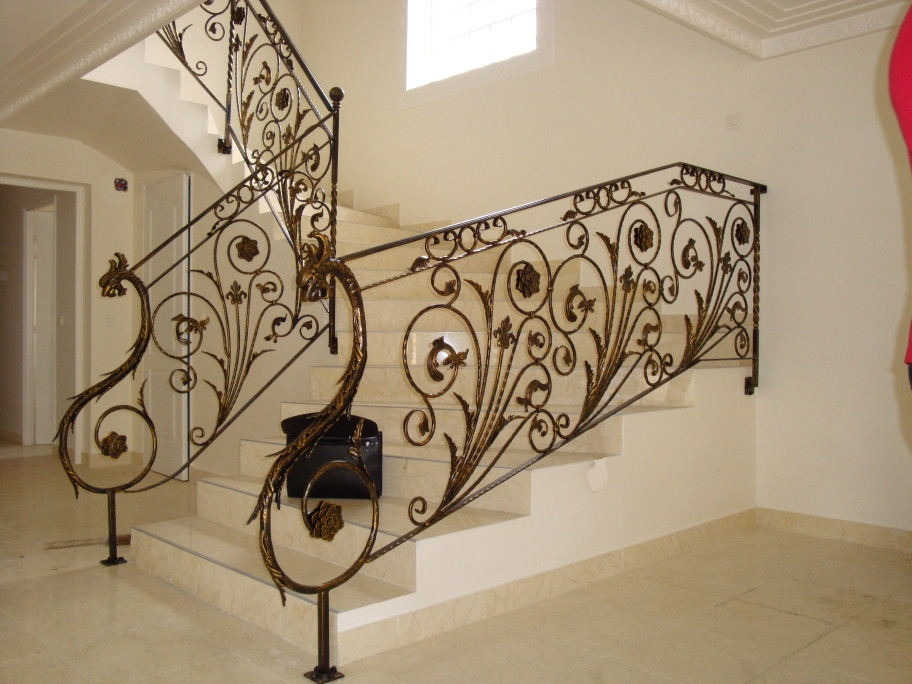 les diff rents styles de ferronnerie d 39 art aquitaine. Black Bedroom Furniture Sets. Home Design Ideas